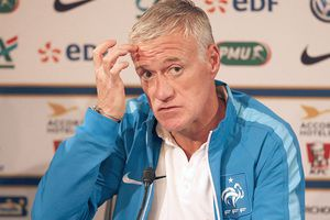 Nhiều câu hỏi với tuyển Pháp chưa được trả lời