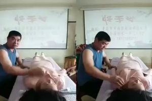 Phẫn nộ clip thầy bấm huyệt vô tư sờ ngực phụ nữ khi trị bệnh