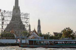 Trải nghiệm đi buýt sông ngắm những ngôi chùa nổi tiếng ở Bangkok