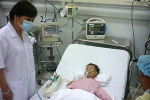 2 trẻ bị viêm não Nhật Bản nặng vì cha mẹ quên không tiêm vắc xin