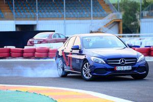 Học viện Lái xe An toàn Mercedes-Benz 2018: Đam mê trên đường đua