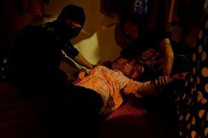 Hậu trường cảnh cưỡng hiếp gây ám ảnh trong phim 'Quỳnh búp bê'