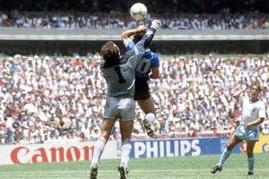 'Cậu bé vàng' Maradona và 'Bàn tay của chúa'