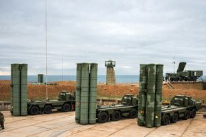 Hàng loạt nước 'đấu nhau sứt đầu mẻ trán' vì S-400 của Nga