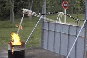Nhật Bản phát triển robot bay chữa cháy
