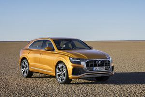 Audi Q8 - đối thủ mới của Mercedes-Benz GLE Coupe có gì?