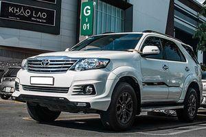 Dân chơi Sài Gòn độ Toyota Fortuner thành xe 4 chỗ hạng sang