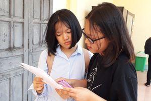 Gần 900 thí sinh căng thẳng đua tranh vào Trường THPT Chuyên Hà Tĩnh