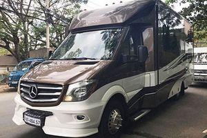 Nhà di động Mercedes giá 8 tỷ đồng lăn bánh tại Hà Nội