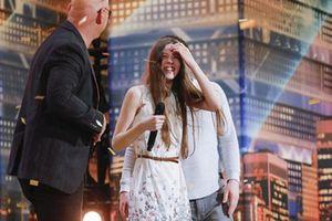 Giọng hát 'khủng' 13 tuổi vào thẳng vòng chung kết 'Tìm kiếm tài năng Mỹ'