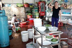 Huyện Quế Võ (Bắc Ninh): Nhà hàng Hoa Quỳnh Vi phạm nghiêm trọng luật ATTP, xả thải gây ô nhiễm môi trường