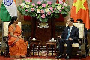 Chủ tịch nước Trần Đại Quang tiếp Bộ trưởng Quốc phòng Ấn Độ