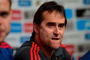 Lopetegui bị Tây Ban Nha sa thải, Xavi trách móc Real Madrid
