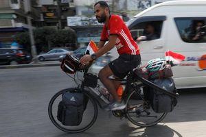 Đạp xe từ Ai Cập tới Nga xem World Cup
