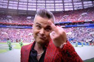 Ca sĩ giơ 'ngón tay thối' tại khai mạc World Cup bị chỉ trích dữ dội