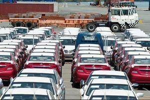 Doanh nghiệp kêu khó nhập khẩu xe ô tô