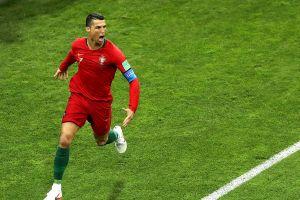 Chuyển động World Cup: Ronaldo bị tuyên phạt 2 năm tù