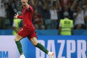 Động tác ăn mừng vuốt cằm của Ronaldo có ý nghĩa gì?
