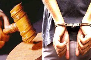 Khởi tố đối tượng chống người thi hành công vụ