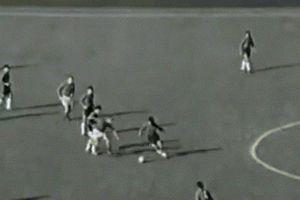 Trận bóng World Cup tàn bạo, đáng quên nhất lịch sử thế giới