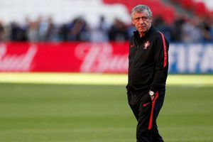 Bồ Đào Nha thắng trận, HLV Fernando Santos vẫn không hài lòng