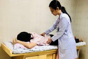 Lý do không ngờ khiến nhiều người trẻ bị đau lưng phải nhập viện