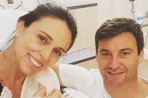 Thủ tướng New Zealand sinh con gái đầu lòng