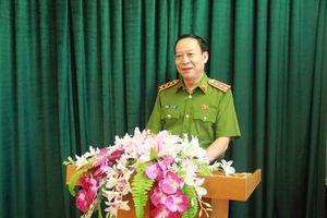 Thượng tướng Lê Quý Vương thăm 8 cán bộ công an nghi phơi nhiễm HIV