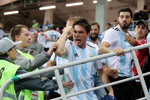 CĐV Argentina đánh hội đồng fan Croatia