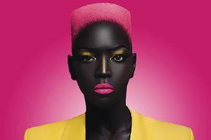 Mê hoặc vẻ đẹp của cô người mẫu da 'đen như than'
