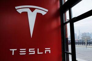 Tesla kiện cựu nhân viên đánh cắp bí mật kinh doanh