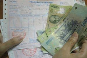 Tiền điện tháng 6 bỗng tăng gấp đôi, do đâu?
