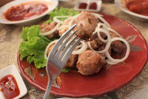 Món ăn truyền thống Nga thơm ngon nức mũi giữa lòng Hà Nội