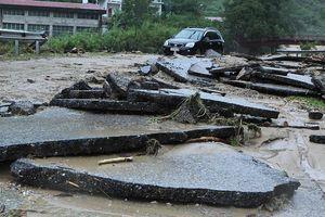 Mưa lũ, sạt lở đất ở Lai Châu làm 3 người chết và 3 người mất tích