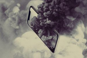Mua smartphone, bạn đang tiếp tay hủy diệt trái đất
