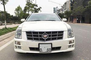 Xe sang Cadillac STS dùng chán bán gần 1 tỷ đồng tại Hà Nội
