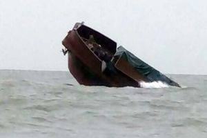 Liên tiếp xảy ra đắm tàu, Quảng Ninh chỉ đạo xử lý khẩn
