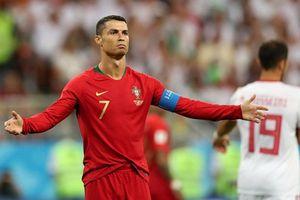 Vì sao Ronaldo không bị trọng tài phạt thẻ đỏ?