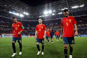 HLV Tây Ban Nha thở phào, tự nhận may mắn xếp trên Bồ Đào Nha