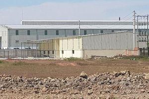 Công ty Sơn Hà xây dựng không phép nhà kho lấn sang đất dự án khác!?