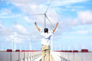 Chiều hè trên cánh đồng điện gió Bạc Liêu - điểm đến để 'sống ảo'