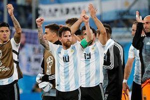 Messi thay HLV Sampaoli chỉ đạo Argentina ở trận thắng Nigeria?