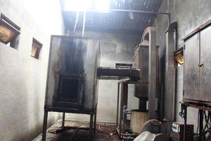 Quảng Ngãi: Hệ thống xử lý nước thải và lò đốt rác của bệnh viện 'đắp chiếu' suốt 8 năm