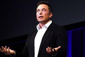 Elon Musk ngủ dưới gầm bàn, cắm trại trong văn phòng vì áp lực sản xuất Tesla Model 3