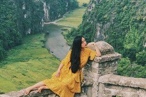 Đến Ninh Bình, 9x xinh đẹp khẳng định 'Việt Nam đẹp không thua đất nước nào'