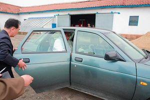 Bất ngờ chiếc xe ông Kim Jong-un sử dụng khi đi thị sát quân đội