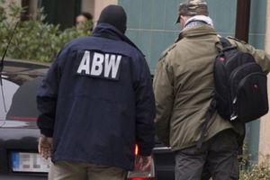 Bốn nhân viên ngân hàng Ba Lan bị bắt giữ do giúp băng nhóm người Việt rửa tiền