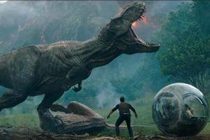Phim ăn khách: Chuỗi ngày bất bại của binh đoàn khủng long và gia đình siêu nhân