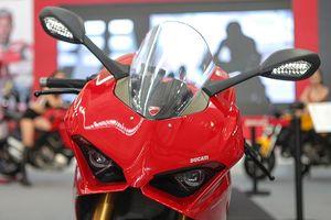 Hình ảnh chi tiết Ducati Panigale V4 S giá gần 1 tỷ đồng tại Việt Nam