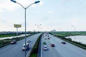 Yêu cầu 22.600 phương tiện quá tải rời khỏi cao tốc